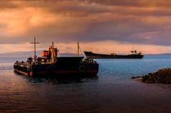 Τεχνητό ηλιοβασίλεμα κατασκευής ακτών Στοκ εικόνες με δικαίωμα ελεύθερης χρήσης