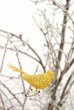 Τεχνητό χρυσό πουλί διακοσμήσεων Στοκ Εικόνα