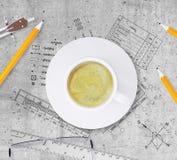 Τεχνικό σχέδιο του κτηρίου, μολύβια, κυβερνήτης, Στοκ φωτογραφία με δικαίωμα ελεύθερης χρήσης