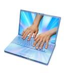 τεχνολογία πληροφοριών χεριών υπολογιστών Στοκ φωτογραφία με δικαίωμα ελεύθερης χρήσης