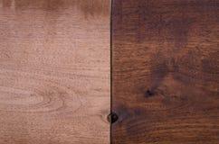 Τελειωμένο και ατελές μαύρο ξύλο καρυδιάς Στοκ Φωτογραφίες