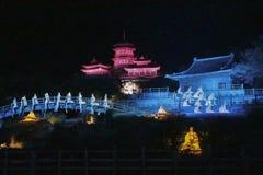 Τελετουργικό μουσικής της Zen Shaolin υπαίθριος ένας ελαφρύς παρουσιάζει και η απόδοση πολεμικών τεχνών στην Κίνα Στοκ Φωτογραφία