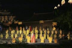 Τελετουργικό μουσικής της Zen Shaolin υπαίθριος ένας ελαφρύς παρουσιάζει και η απόδοση πολεμικών τεχνών στην Κίνα Στοκ Φωτογραφίες