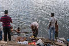 Τελετουργικό σε Sangam Ghat στο Mysore, Ινδία Στοκ φωτογραφίες με δικαίωμα ελεύθερης χρήσης