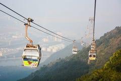 Τελεφερίκ μεταλλικού θόρυβου Ngong, Lantau, Χονγκ Κονγκ Στοκ Φωτογραφίες