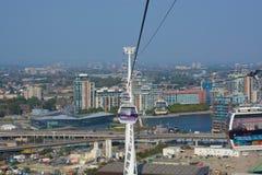 Τελεφερίκ πέρα από τον ποταμό Τάμεσης στο Γκρήνουιτς, Λονδίνο, Αγγλία Στοκ φωτογραφία με δικαίωμα ελεύθερης χρήσης