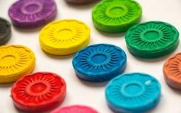 Τηγάνια Watercolors των μικρών χρωματισμένων ήλιων Στοκ Εικόνες