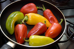 τηγανίζοντας παν πιπέρι Στοκ Εικόνες