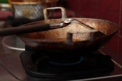 Τηγανίζοντας tofu σε ένα τηγανίζοντας τηγάνι, έκδοση 8 Στοκ φωτογραφίες με δικαίωμα ελεύθερης χρήσης