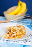Τηγανίτες με την μπανάνα σε μια ακίνητη ζωή Στοκ Εικόνα