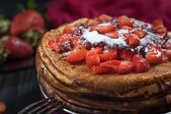 Τηγανίτες με τις φράουλες Στοκ Εικόνα