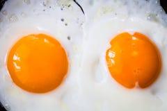 Τηγανισμένα αυγά στην πανοραμική λήψη Στοκ Φωτογραφίες