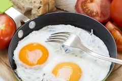 Τηγανισμένα αυγά στοκ εικόνες