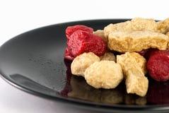 Τηγανισμένα λουκάνικα και τηγανισμένο κεφτές Στοκ Εικόνες