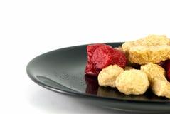 Τηγανισμένα λουκάνικα και τηγανισμένο κεφτές Στοκ Φωτογραφία