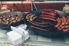 Τηγανισμένα τρόφιμα λουκάνικα οδών στοκ φωτογραφίες με δικαίωμα ελεύθερης χρήσης