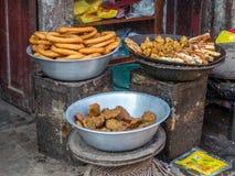 Τηγανισμένα τρόφιμα οδών στο Κατμαντού, Νεπάλ Στοκ φωτογραφία με δικαίωμα ελεύθερης χρήσης