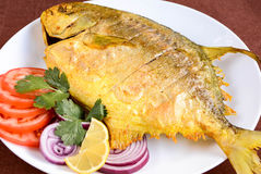 Τηγανισμένα Pomfret ψάρια Στοκ εικόνες με δικαίωμα ελεύθερης χρήσης