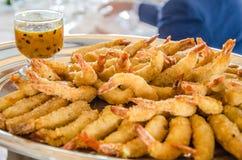 Τηγανισμένες γαρίδες με τη σάλτσα λωτού στοκ φωτογραφία