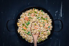 τηγανισμένες γαρίδες ρυ&ze ασιατικά τρόφιμα υγιή Στοκ Εικόνα