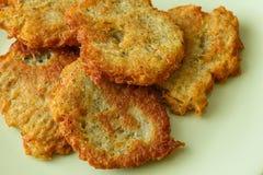Τηγανισμένες τηγανίτες με την πατάτα Στοκ Εικόνες