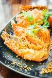 Τηγανισμένη γαρίδα με το σκόρδο στο πιάτο Στοκ Φωτογραφία