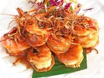 Τηγανισμένη γαρίδα με tamarind τη σάλτσα, γλυκόπικρα τρόφιμα Στοκ Εικόνες
