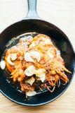 Τηγανισμένη γαρίδα με το σκόρδο Στοκ Φωτογραφίες