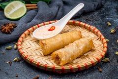 Τηγανισμένος ρόλος ανοίξεων, βιετναμέζικα τρόφιμα Στοκ εικόνες με δικαίωμα ελεύθερης χρήσης