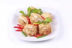 Τηγανισμένος χρυσός φραγμός ως πικάντικο τηγανισμένο tofu κομματιασμένο περικάλυμμα χοιρινό κρέας Στοκ φωτογραφίες με δικαίωμα ελεύθερης χρήσης