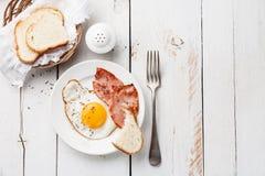 Τηγανισμένο αυγό Στοκ εικόνα με δικαίωμα ελεύθερης χρήσης