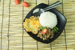 Τηγανισμένο βασιλικός ρύζι (μαξιλάρι-kra-Prao) Στοκ Φωτογραφίες