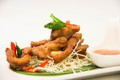 Τηγανισμένο βόειο κρέας με τα ταϊλανδικά τρόφιμα σάλτσας Στοκ εικόνα με δικαίωμα ελεύθερης χρήσης