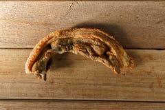 Τηγανισμένο εν μέρει τεμαχισμένο streaky μπέϊκον κοιλιών χοιρινού κρέατος Στοκ εικόνες με δικαίωμα ελεύθερης χρήσης