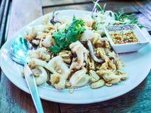 Τηγανισμένο καλαμάρι στο ταϊλανδικό ύφος Στοκ Εικόνα