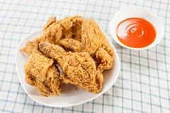 Τηγανισμένο κοτόπουλο με τη σάλτσα τσίλι Στοκ φωτογραφία με δικαίωμα ελεύθερης χρήσης
