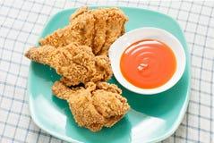 Τηγανισμένο κοτόπουλο με τη σάλτσα τσίλι Στοκ Εικόνα