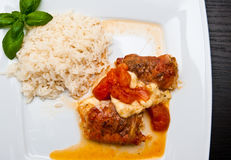 Τηγανισμένο κοτόπουλο με το ζαμπόν schwarzwald και το τυρί μοτσαρελών Στοκ Εικόνα