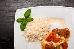 Τηγανισμένο κοτόπουλο με το ζαμπόν schwarzwald και το τυρί μοτσαρελών Στοκ Φωτογραφίες
