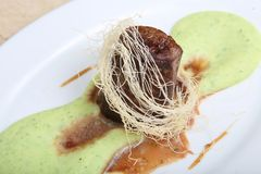 Τηγανισμένο κρέας με τον πολτοποίης πουρέ πατατών Στοκ Εικόνες