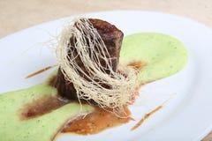 Τηγανισμένο κρέας με τον πολτοποίης πουρέ πατατών Στοκ Φωτογραφία