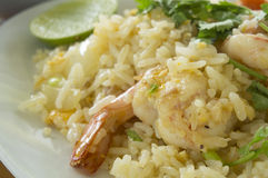 τηγανισμένο πιάτο αγγουριών ρυζιού γαρίδων γαρίδα Στοκ Εικόνες