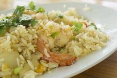 τηγανισμένο πιάτο αγγουριών ρυζιού γαρίδων γαρίδα Στοκ Φωτογραφίες