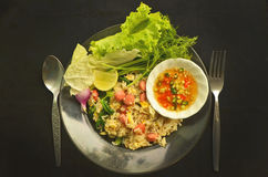 Τηγανισμένο ρύζι με τα λαχανικά και τη σάλτσα ψαριών Στοκ Εικόνες