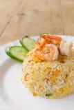 Τηγανισμένο ρύζι με τις γαρίδες Στοκ Εικόνες