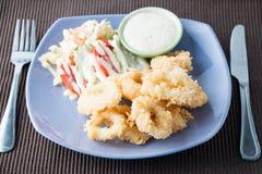 Τηγανισμένο calamari, τηγανισμένο καλαμάρι Στοκ Εικόνα