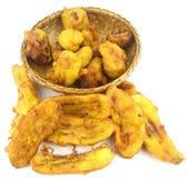 Τηγανισμένο Cempedak (επίσης γνωστό ως Artocarpus ακέραιος αριθμός) σε ένα καλάθι και τηγανισμένα Fritters μπανανών Στοκ φωτογραφία με δικαίωμα ελεύθερης χρήσης