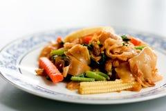 τηγανισμένο noodle χοιρινό κρέα&sigma στοκ φωτογραφία με δικαίωμα ελεύθερης χρήσης