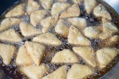 Τηγανισμένο tofu είναι εύγευστο στην αγορά Στοκ φωτογραφία με δικαίωμα ελεύθερης χρήσης