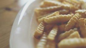 Τηγανιτές πατάτες ή τσιπ στο εστιατόριο γρήγορου γεύματος Στοκ εικόνες με δικαίωμα ελεύθερης χρήσης